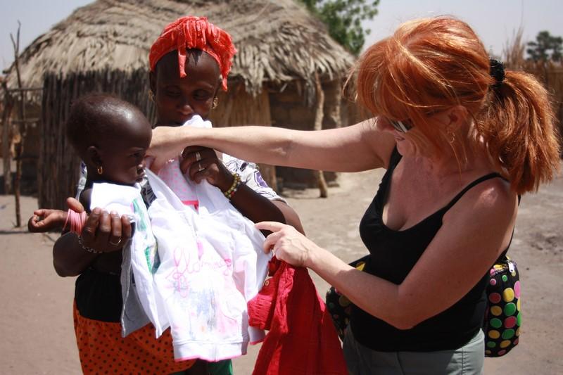 Distribution vêtements nécessiteux